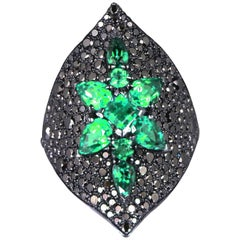 Stephen Webster Belle Époque Emerald and Diamond Armadillo 18ct White Gold Ring