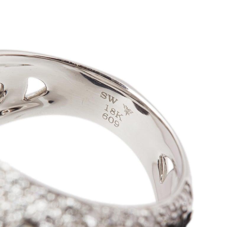 Round Cut Stephen Webster Borneo Lipstick 18ct White Gold Crystal Haze and Diamond Ring  For Sale
