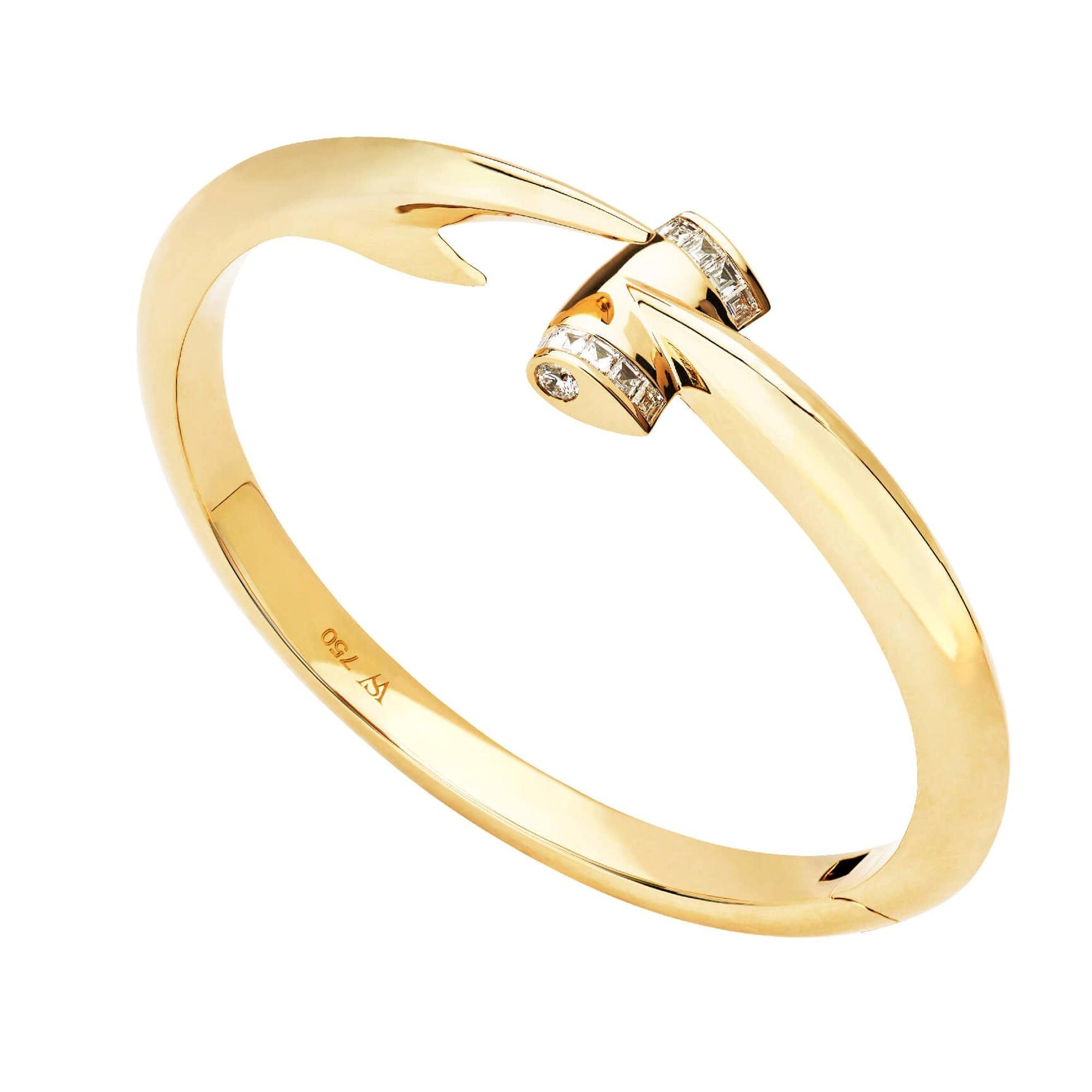 Stephen Webster Hammerhead 18 Karat Yellow Gold and White Diamond Bangle