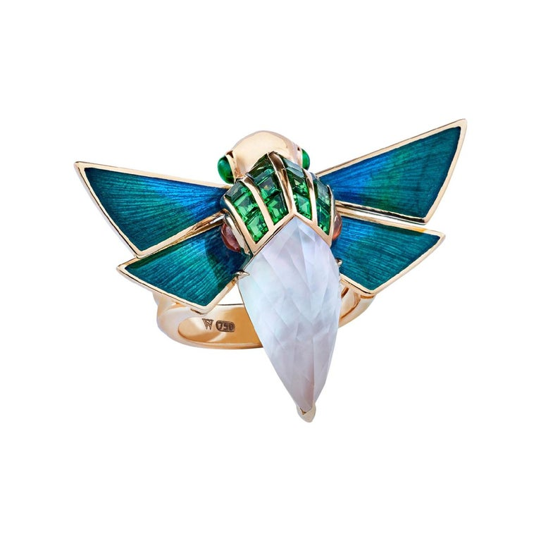 For Sale: undefined Stephen Webster Jitterbug Cuckoo Bee 18ct Gold and White Mother of Pearl Ring