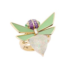 Stephen Webster Jitterbug White Opal Crystal Haze Set in 18 Karat Gold Ring