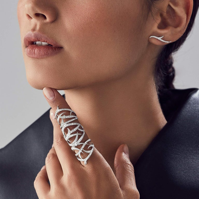 Thorns are explored in exquisite detail to luxurious effect on the Thorn Long Finger Ring. Featuring white diamond pavé (3.50 carats) set in 18 karat white gold, the resulting ring is both timeless and eternally glamorous.  Please enquire for
