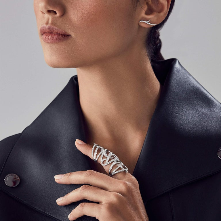 Contemporary Stephen Webster Thorn 18 Karat Gold and White Diamond Pavé Long Finger Ring