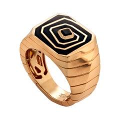 Stephen Webster Vertigo Losing Perspective 18K Gold and Black Spinel Signet Ring
