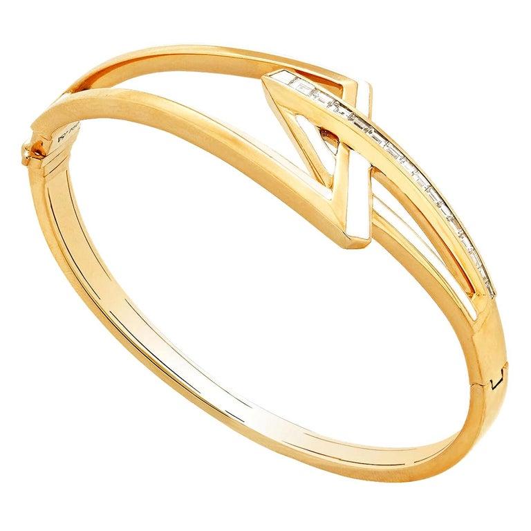 Stephen Webster Vertigo Obtuse 18 Karat Yellow Gold and White Diamond Bracelet For Sale