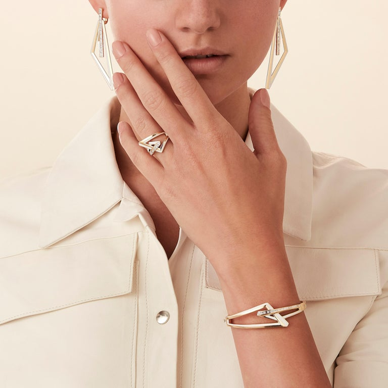 Modern and intriguing, Vertigo combines technology with tradition with mixed media materials of titanium and ceramic enamel, precious metals, diamonds and exotic baguette cut spinels. Vertigo is a collection of strong angular lines, bold colour and