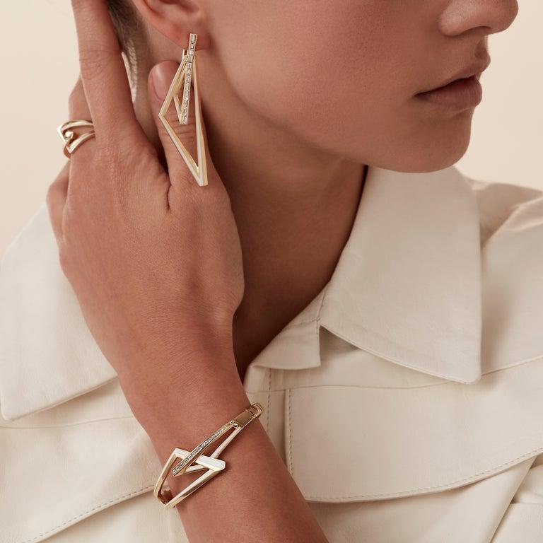 Contemporary Stephen Webster Vertigo Obtuse 18 Karat Yellow Gold and White Diamond Bracelet For Sale