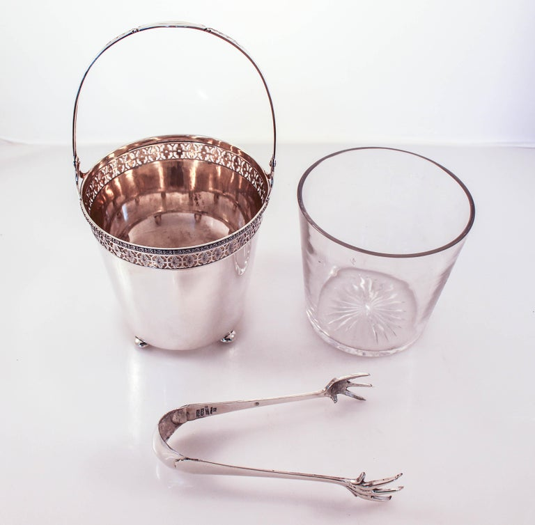 Sterling Ice Bucket and Tongs In Excellent Condition For Sale In Brooklyn, NY