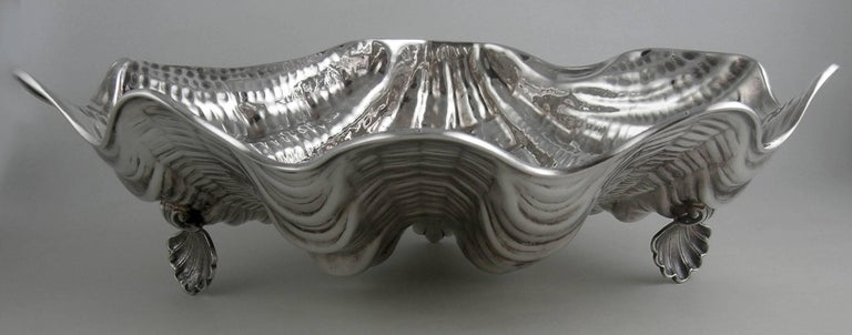 Sterling Messulan Giant Footed Clam Shell Dish In Excellent Condition For Sale In Norwalk, CT