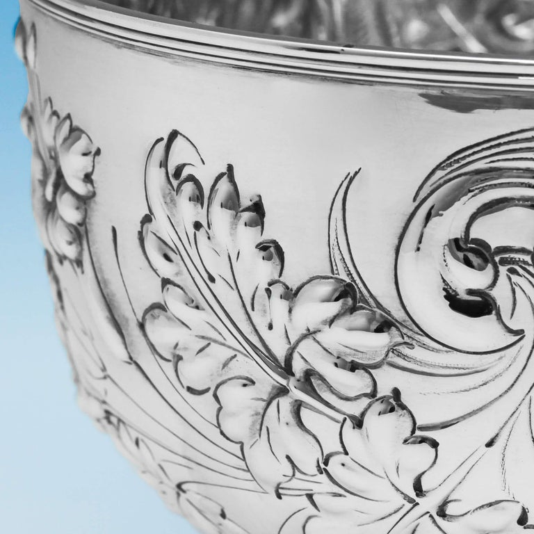 19th Century Victorian Ornate Chased Antique Sterling Silver Bowl In Excellent Condition For Sale In London, London