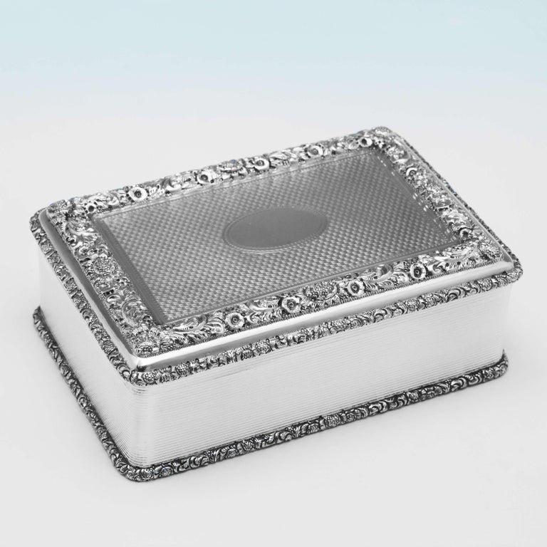 English Antique Sterling Silver Table Snuff Box from 1911 by D. & J. Wellby For Sale