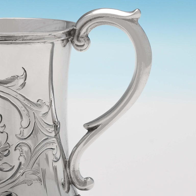 Victorian Antique Sterling Silver Christening Mug Hallmarked in 1852 In Good Condition For Sale In London, London
