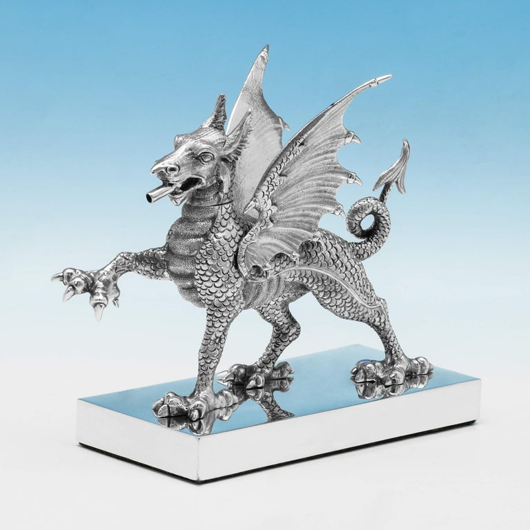 Novelty Sterling Silver Dragon Cigar Lighter Hallmarked in 1972 by Carringtons In Good Condition For Sale In London, London