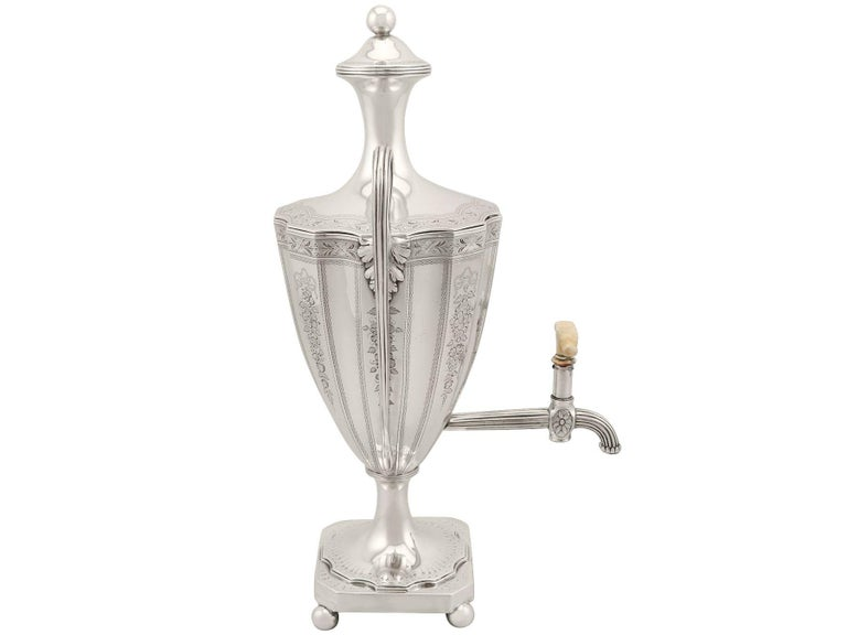 Sterling Silver Coffee Urn Antique George III, 1786 In Excellent Condition For Sale In Jesmond, Newcastle Upon Tyne