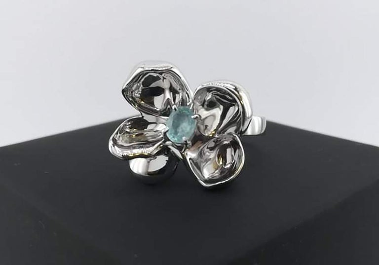 Oval Cut Sterling Silver Contemporary Ring with Paraiba Tourmaline For Sale