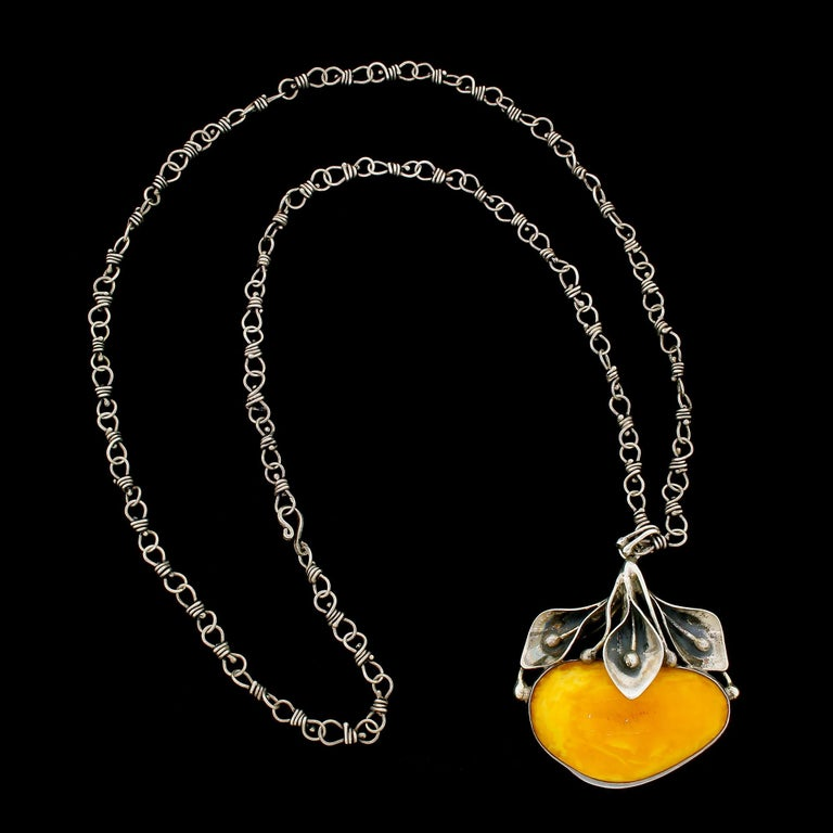 Art Nouveau Sterling Silver Egg Yolk Baltic Amber Lilly Pendant Necklace Original 875 Chain For Sale