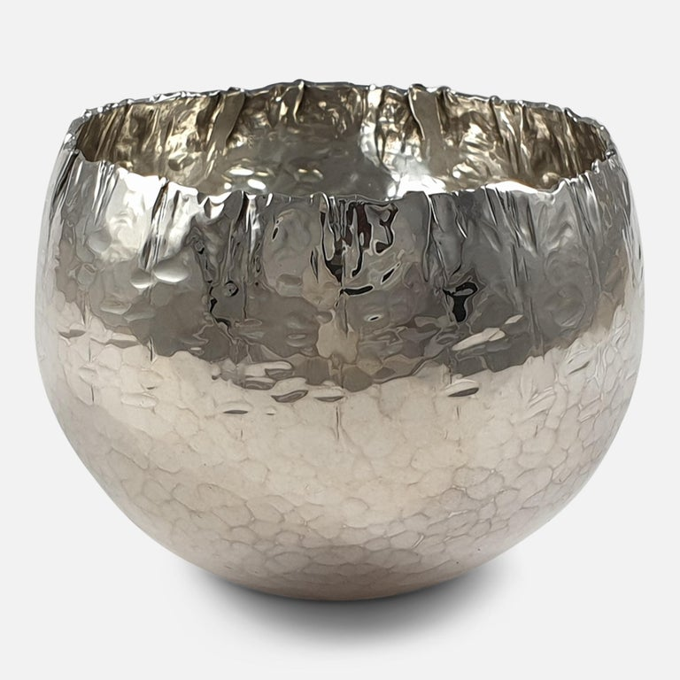 Late 20th Century Sterling Silver Handmade Bowl, by Rey Urban for Åge Fausing, circa 1970s For Sale