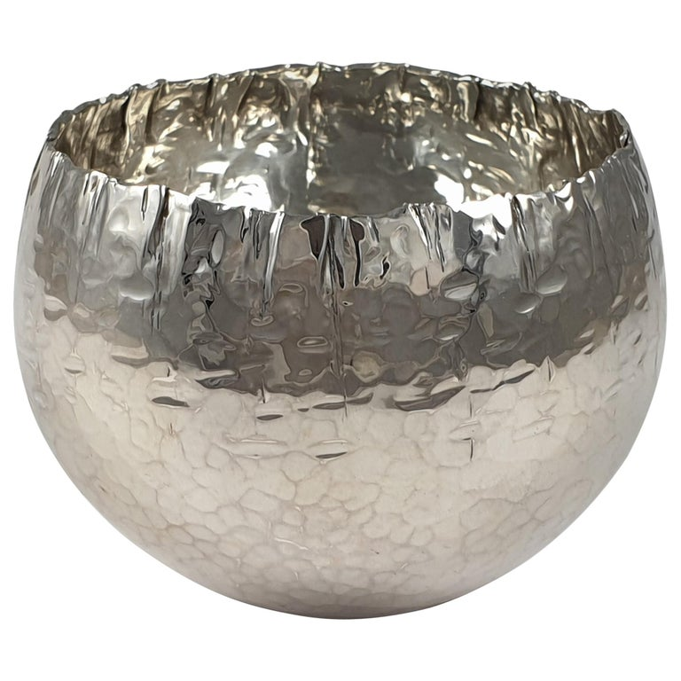 Sterling Silver Handmade Bowl, by Rey Urban for Åge Fausing, circa 1970s For Sale