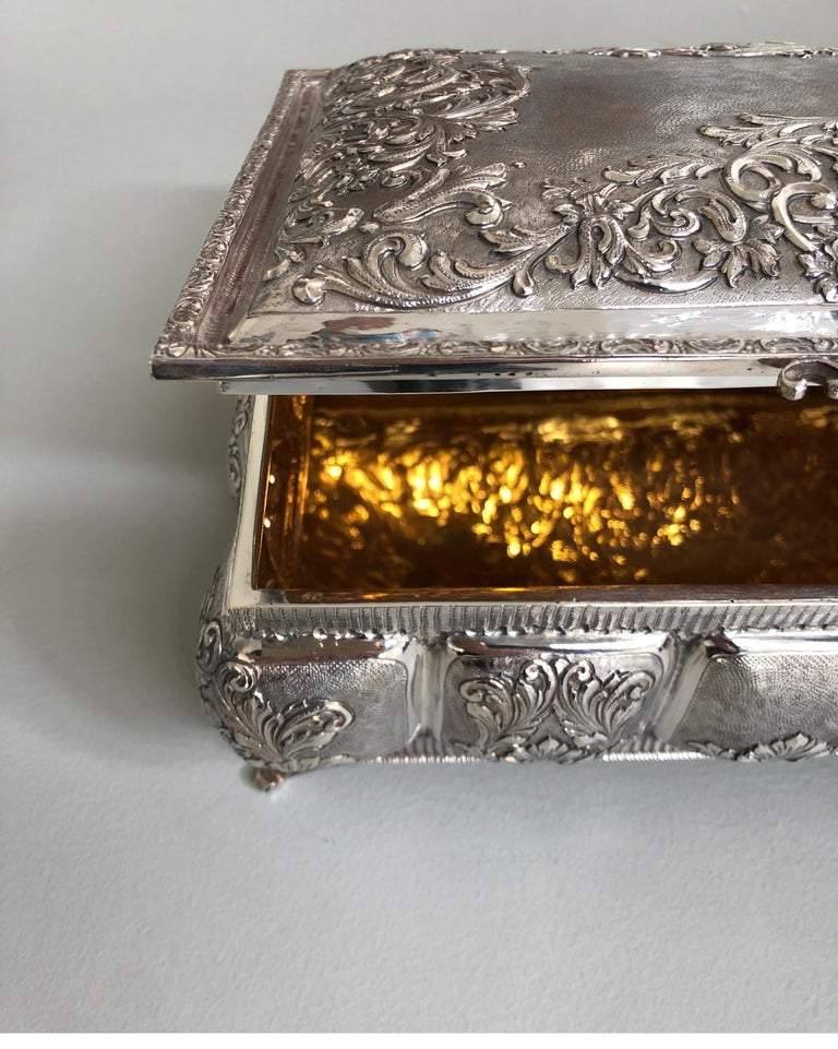 Sterling silver jewelry box, completely handmade, made in Italy.