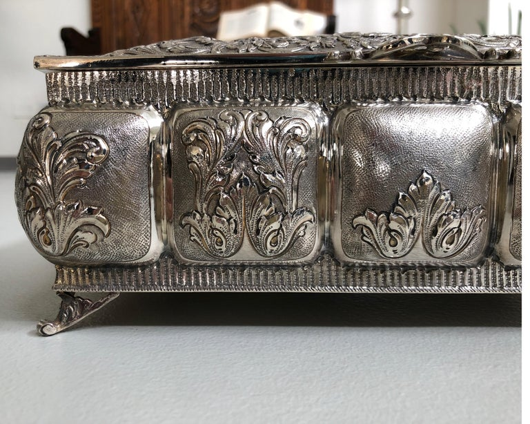 Hand-Crafted Sterling Silver Jewellery Box, Completely Handmade, Made in Italy For Sale