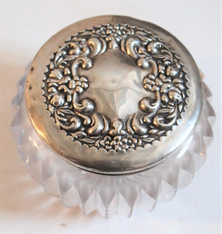 Sterling Silver Lided Powder Jars Collection of Five In Excellent Condition For Sale In Los Angeles, CA