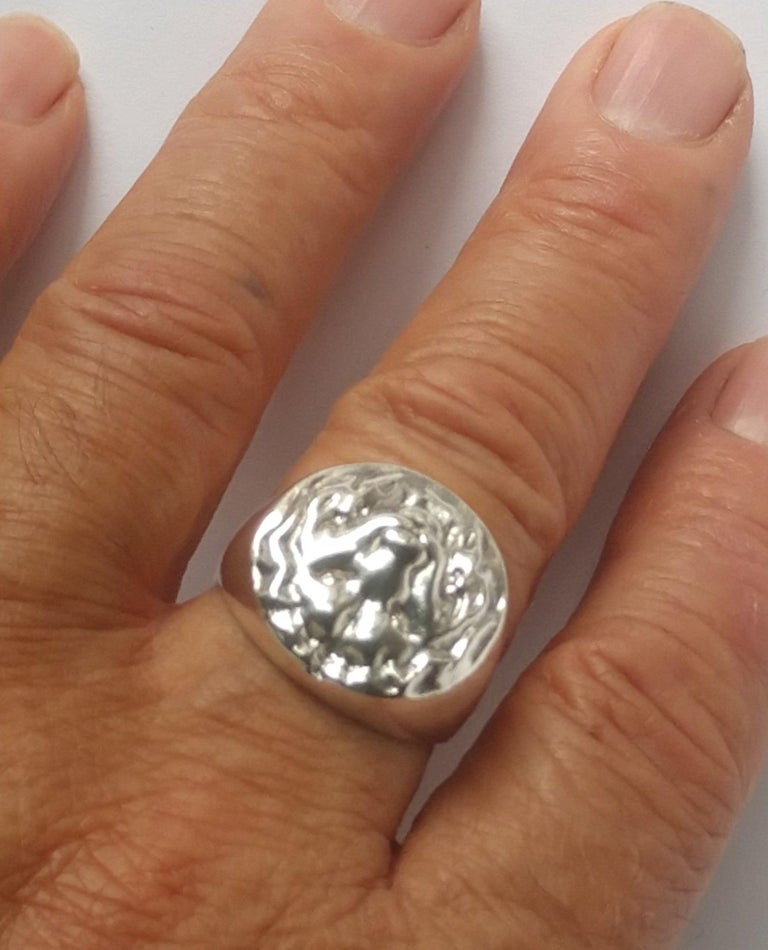 Sterling Silver Lion of Judah Signet Ring In New Condition For Sale In New York, NY