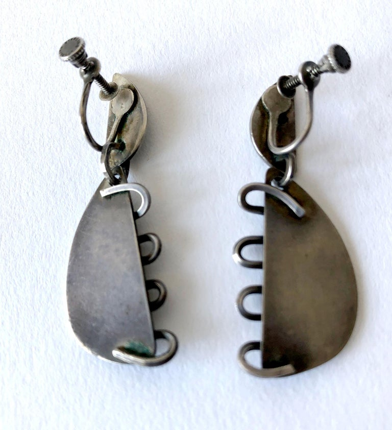 Sterling Silver Midcentury American Modernist Squiggle Earrings In Good Condition For Sale In Los Angeles, CA