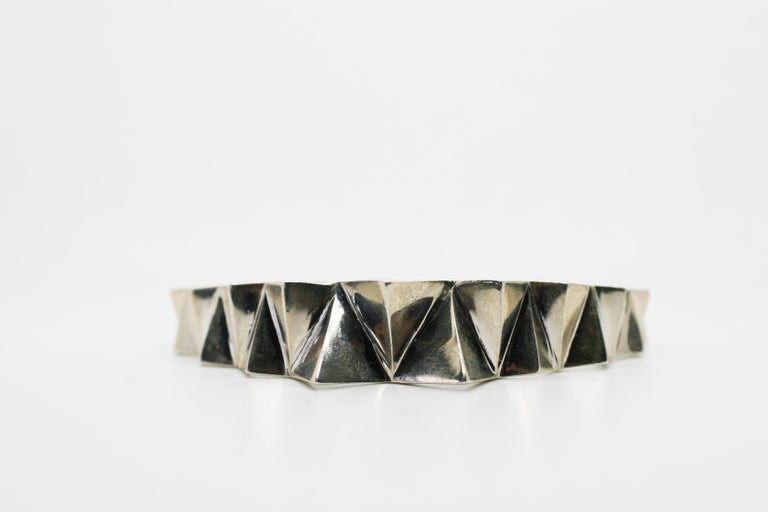 Contemporary Sterling Silver Narrow Tapered Folded Triangles Cuff  For Sale