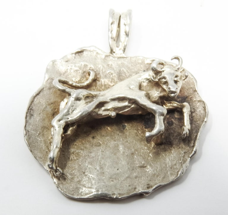 Sterling Silver Taurus Pendant, Vintage In Fair Condition For Sale In Cookeville, TN