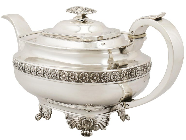 Sterling Silver Three-Piece Tea Service in the Regency Style, Antique George IV In Good Condition For Sale In Jesmond, Newcastle Upon Tyne
