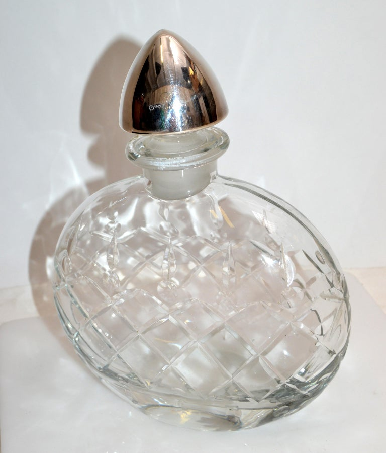 Sterling Silver Vintage Clear Cut Art Glass Perfume Bottle with Silver Stopper For Sale 3