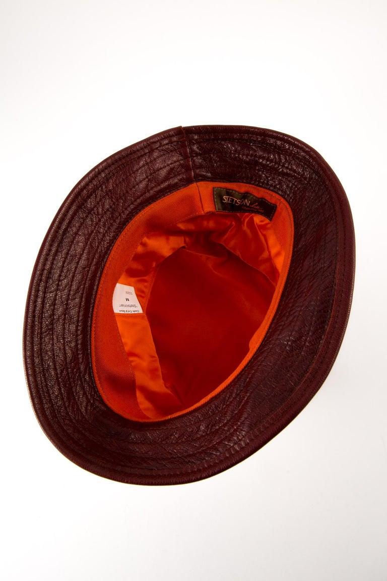 Stetson Bucket Hat Bordeaux Leather Camel Canvas In Excellent Condition For Sale In Paris, FR