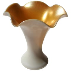 Steuben Calcite and Gold Aurene Flared Onion Skin Glass Vase, circa 1919