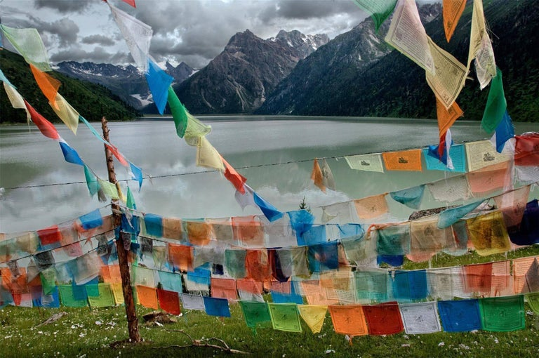 Steve McCurry Color Photograph - Tibetan Prayer Flags, Tibet
