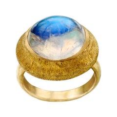 Steven Battelle 11.5 Carats Rainbow Moonstone Cabochon 18K Gold Ring