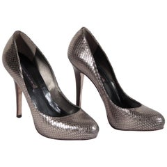 STEVEN by STEVEN MADDEN Silver Embossed Leather Shoes PUMPS Heels 39