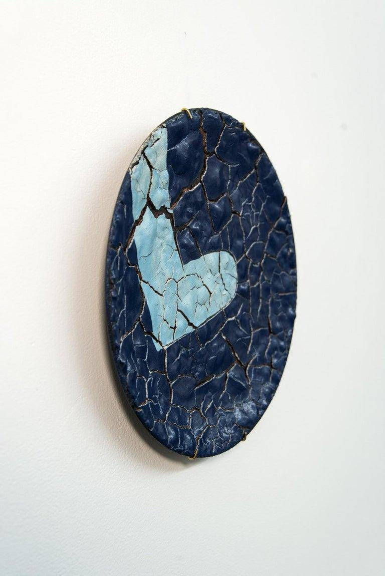 TP No 2 - blue, textured, ceramic, wall mounted circular sculpture - Sculpture by Steven Heinemann