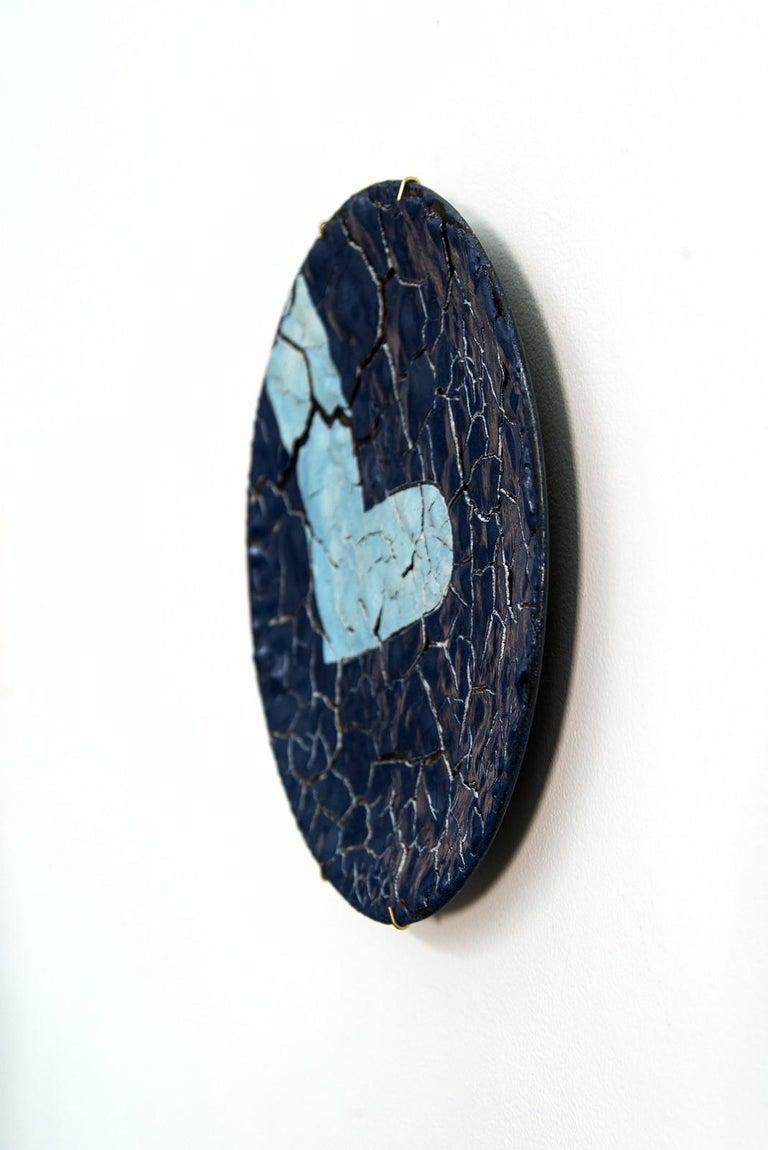 TP No 2 - blue, textured, ceramic, wall mounted circular sculpture - Contemporary Sculpture by Steven Heinemann