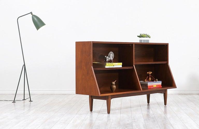 "Mid-Century Modern Stewart MacDougall & Kipp Stewart ""Declaration"" Bookcase for Drexel For Sale"
