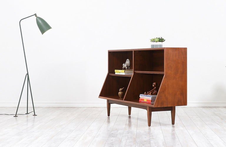 """Stewart MacDougall & Kipp Stewart """"Declaration"""" Bookcase for Drexel In Excellent Condition For Sale In Los Angeles, CA"""