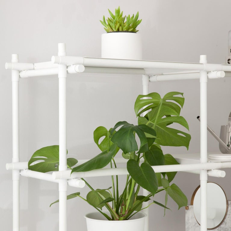 Stick System, White Shelves with White Poles, 3x4 In New Condition For Sale In San Marcos, CA