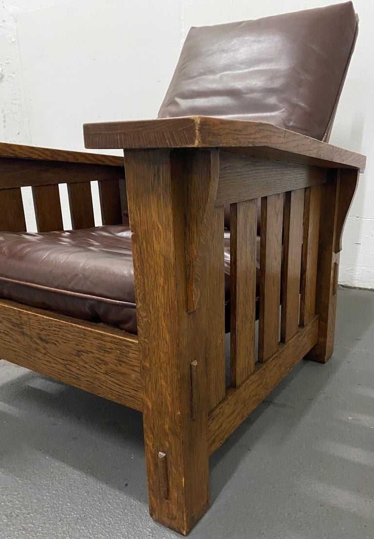 Arts and Crafts Stickley Arts & Crafts Mission Oak and Leather Armchair, circa 1920 For Sale