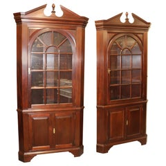 Stickley Solid Mahogany Federal Style Corner Cabinets Cupboards circa 1990, Pair