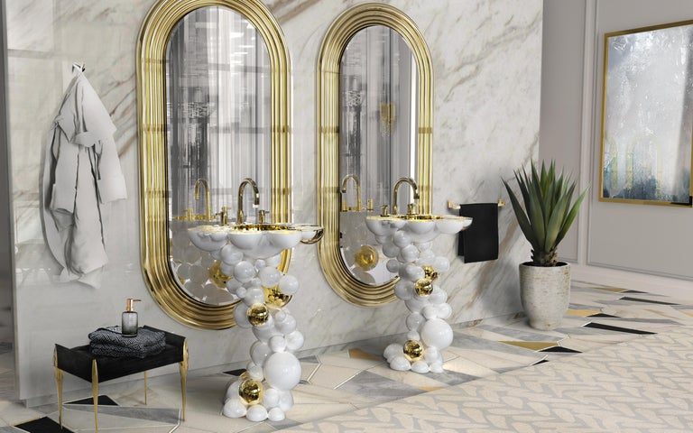 Stiletto Stool with Polished Brass Structure For Sale 1