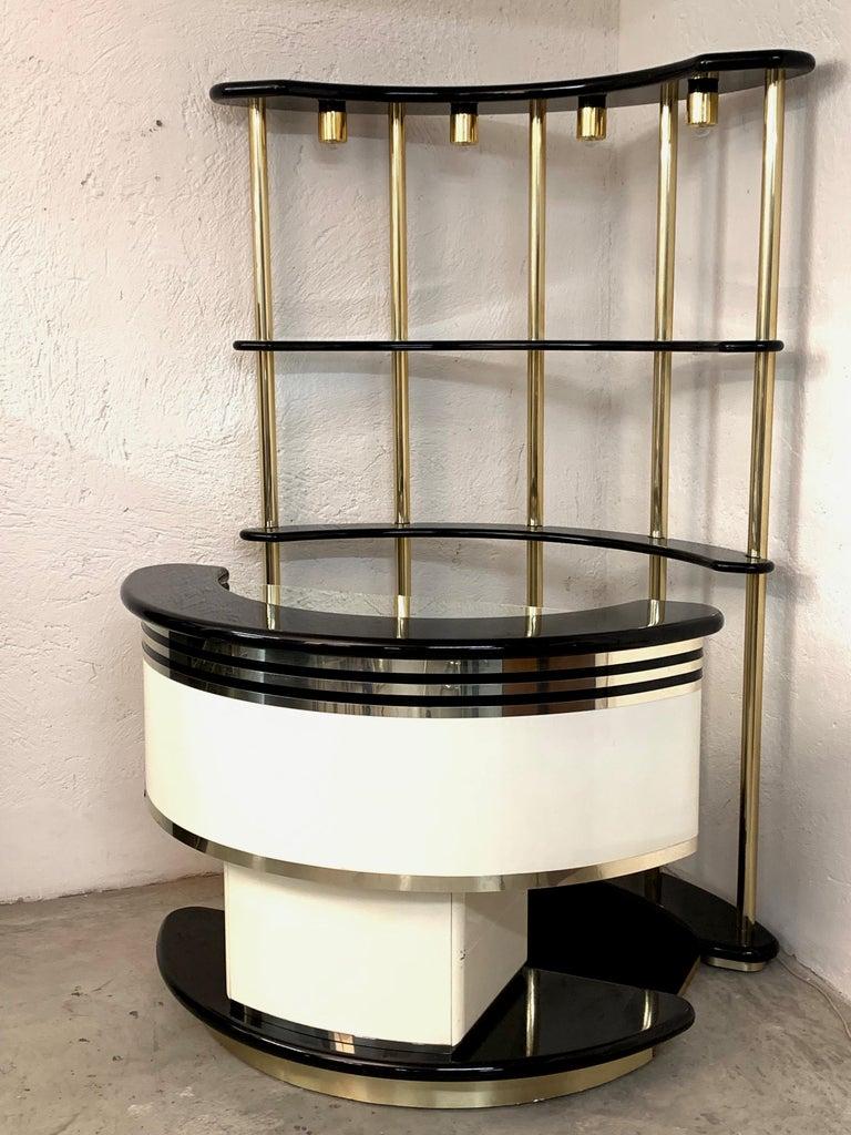 Stilglass Donati Guzzini Midcentury Brass and White Wood Italian Dry Bar, 1970s For Sale 5
