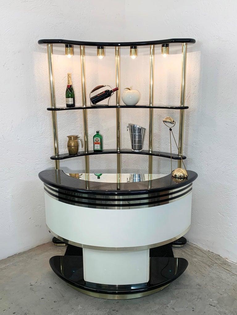 Mid-Century Modern Stilglass Donati Guzzini Midcentury Brass and White Wood Italian Dry Bar, 1970s For Sale