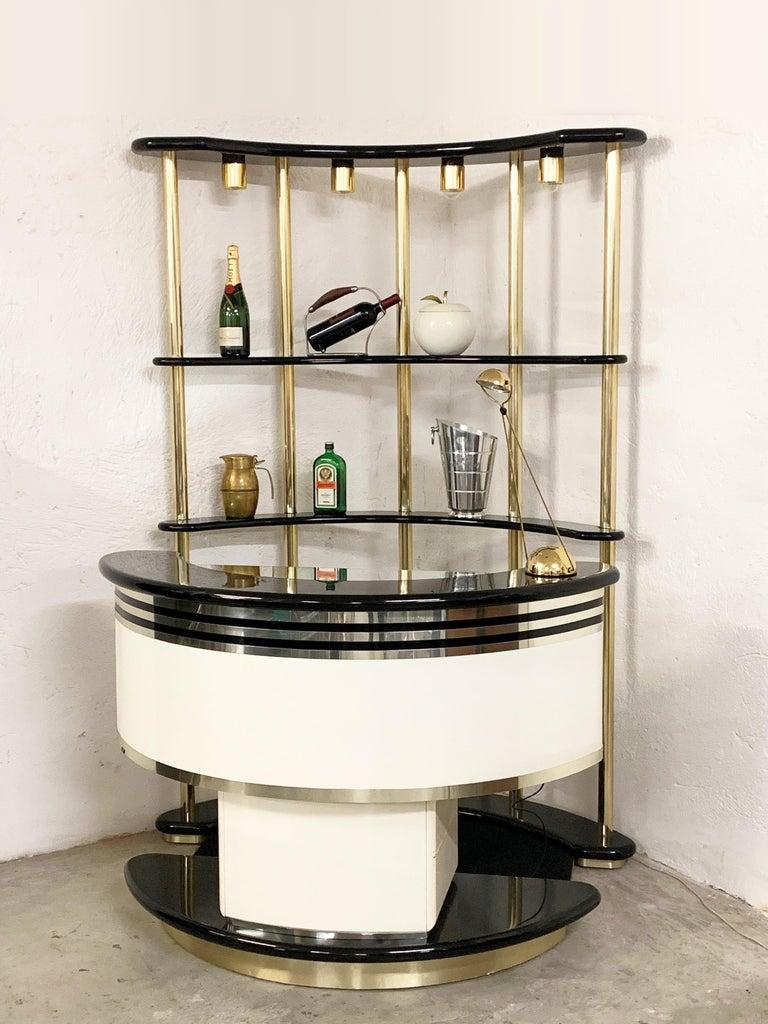 Lacquered Stilglass Donati Guzzini Midcentury Brass and White Wood Italian Dry Bar, 1970s For Sale
