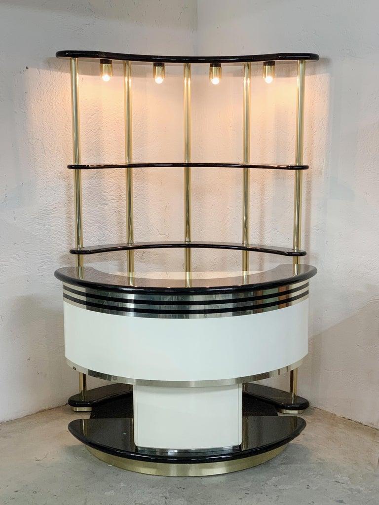 Stilglass Donati Guzzini Midcentury Brass and White Wood Italian Dry Bar, 1970s For Sale 2