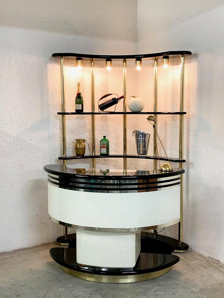 Stilglass Donati Guzzini Midcentury Brass and White Wood Italian Dry Bar, 1970s For Sale 3