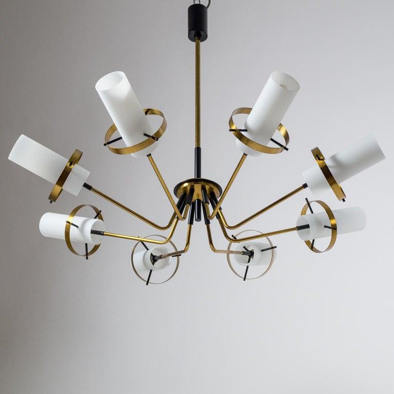 Modernist Chandelier, Stilnovo (Attr.), circa 1958, Brass and Satin Glass For Sale 4